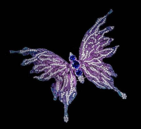 珠宝大师陈世英的蝴蝶彩宝胸针,堪称艺术品,被博物馆收藏