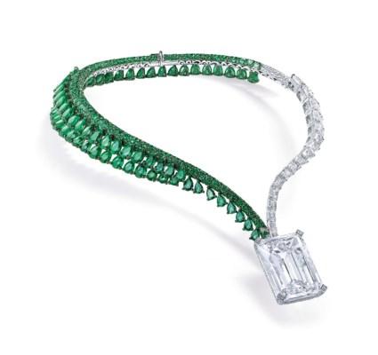 一颗163.41克拉无瑕钻石的祖母绿项链 佳士得日内瓦 3370万美元成交