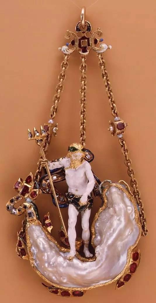 图为异形珍珠挂件 配以多种宝石