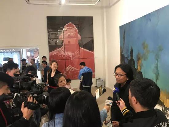 艺术家苏新平接受采访
