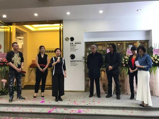 凤凰卫视领客文化CEO黄晓燕在揭幕仪式上致辞