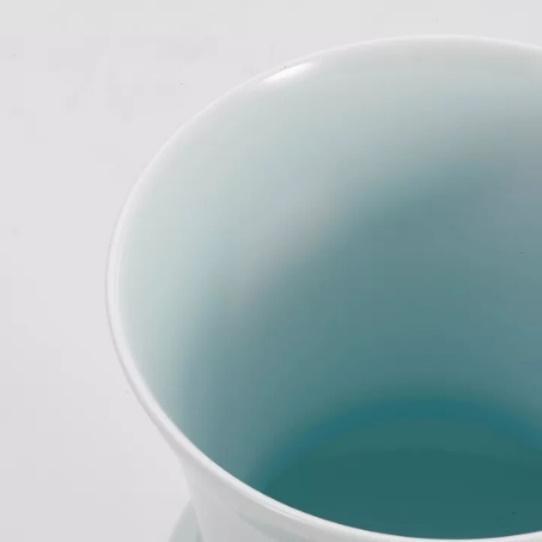 ▲许群 青瓷花瓶(一)细节