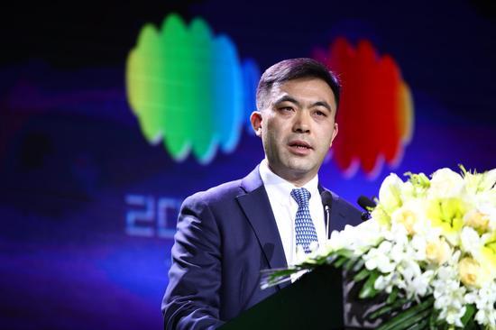 国家对外文化贸易基地副董事长、上海自贸区国际文化投资发展有限公司总经理胡环中在开幕式上发表讲话