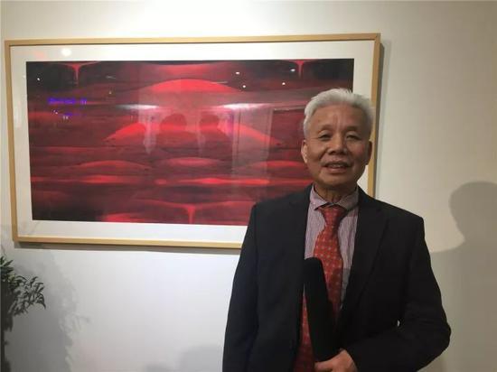 纽约中国艺术馆馆长邝业荣宣布开馆