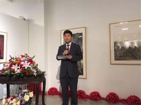 中国驻纽约总领馆文化参赞李立言在开幕式上致辞