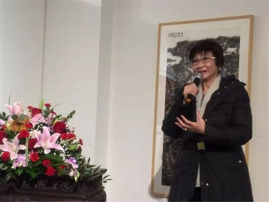 新泽西华人联合总会主席林洁辉在开幕式上致辞