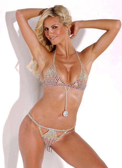 2003年:Very Sexy Fantasy Bra