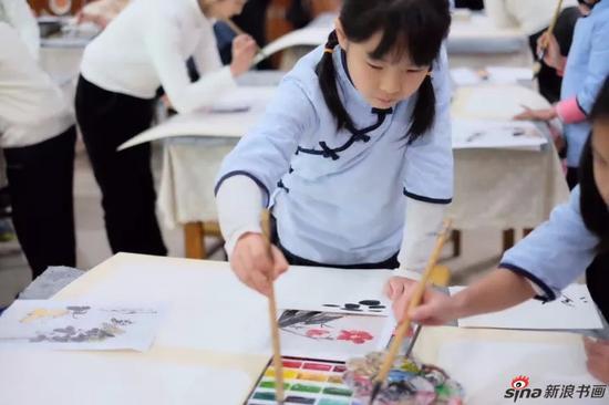 潘天寿美育教室进校园活动现场