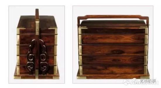 黄花梨螭龙云纹折叠式镜架 晚明至清前期(1600–1700) 长31.4 厘米 宽31.4 厘米 支起高26厘米 放平高7.5 厘米