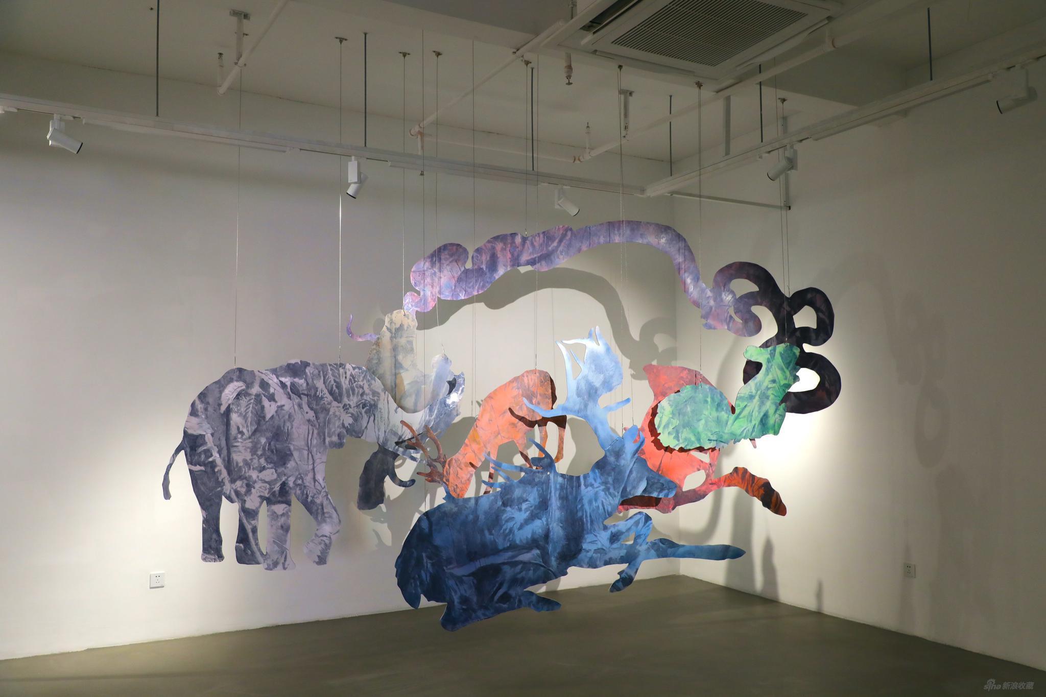 《有虎图》 徐振邦 板上绘画装置(丙烯、喷漆、激光造型切割雪弗板,尺寸可变) 2020