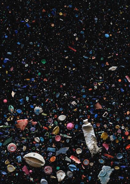 她把海洋垃圾当成拍摄对象 竟然让其成为艺术品