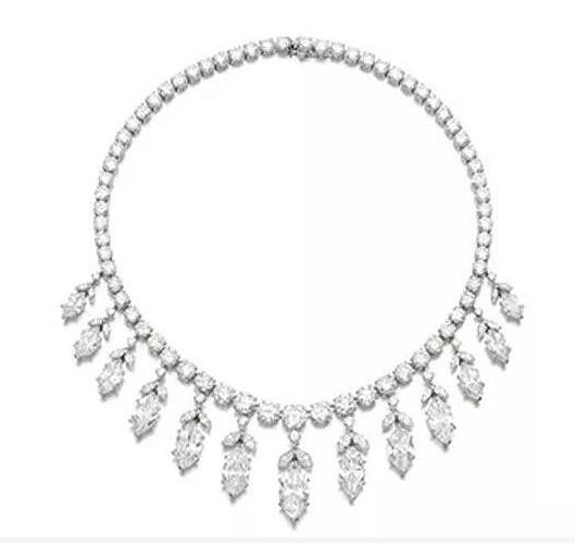 五彩斑斓的钻石是怎么形成的