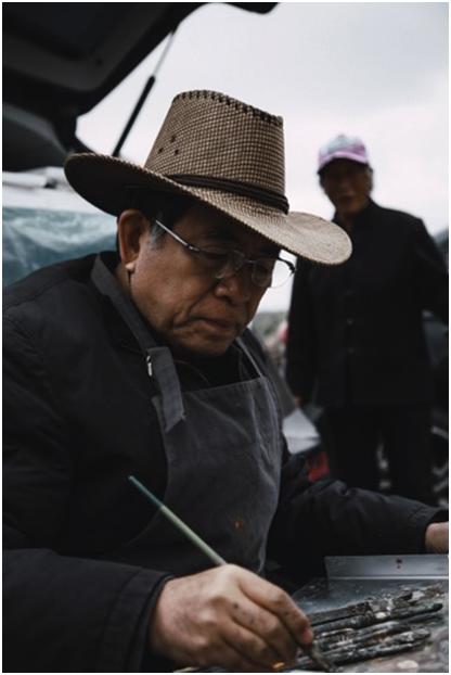 """""""美丽塞罕坝""""中国油画院院长杨飞云先生在写生"""