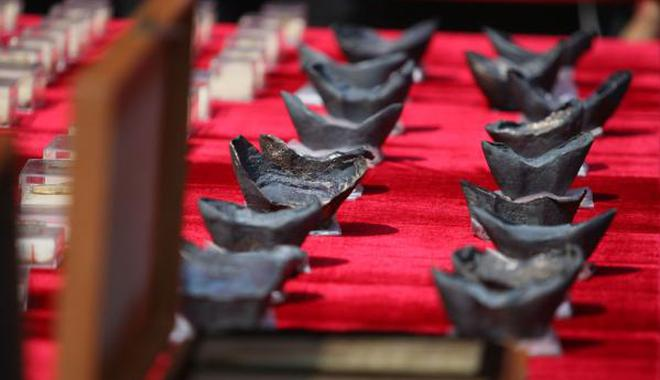 江口沉银再出水1万2千余文物 蜀王金宝被砍10多块