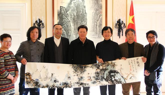 新浪聚焦|中国古典诗词演唱与书画的演绎