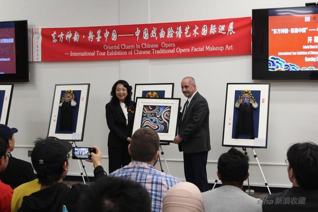 中国戏曲脸谱艺术国际巡展在美国开幕