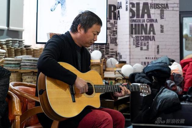 原创音乐人、《莫问前程》导演冯言在《旁不雅》交换现场扮演