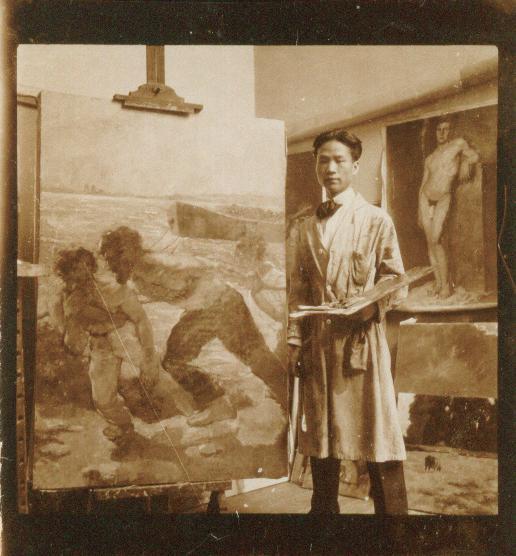 吴作人留学比利时期间,在画室中留念