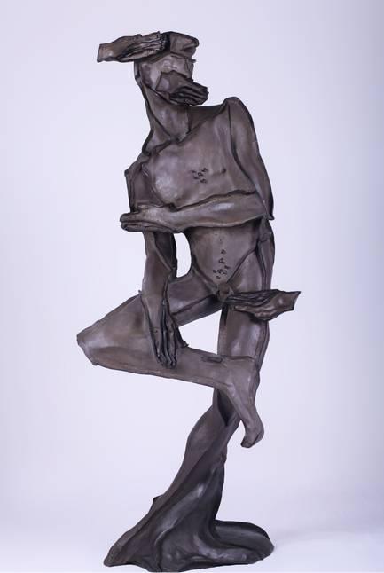 王立伟 《观 自在》 50x43x123cm 铜 2014