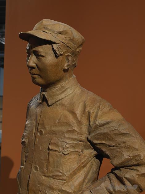 红星照耀中国局部2005-205x85x74cm青铜