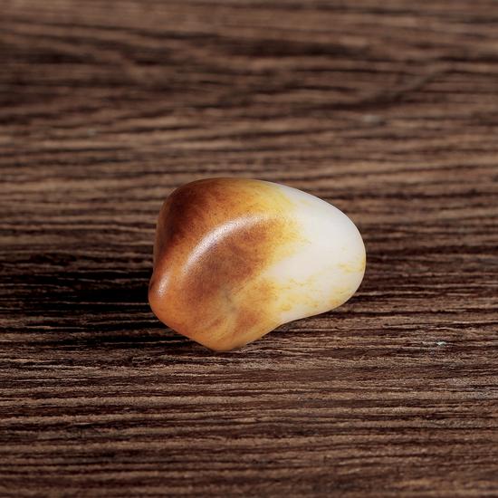 02566号拍品 新疆和田玉黄皮籽料原石