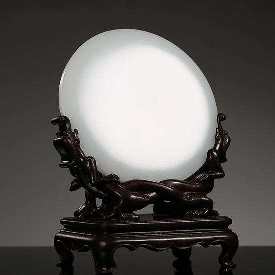 苏然和田玉籽料九龙玉镜   14.8×14.8×2.0cm 854g