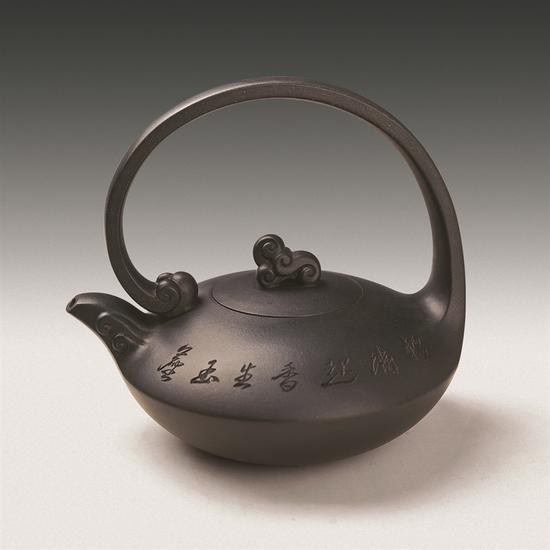 艺术家鲍志强作品 雪浪提梁壶