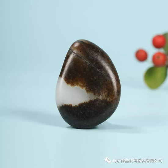 02917号拍品 新疆和田玉籽料原石开天辟地  RMB:200000-250000