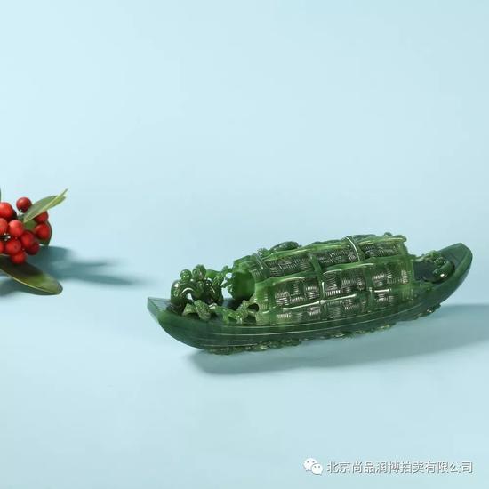 03001  张焕庆 中国玉石雕刻大师  张焕庆 和田玉碧玉一帆风顺摆件  规格:18.0×5.0×5.0cm  重量:439g  白度:碧玉  脂份:高  密度:好  款识:焕  RMB:58000-78000