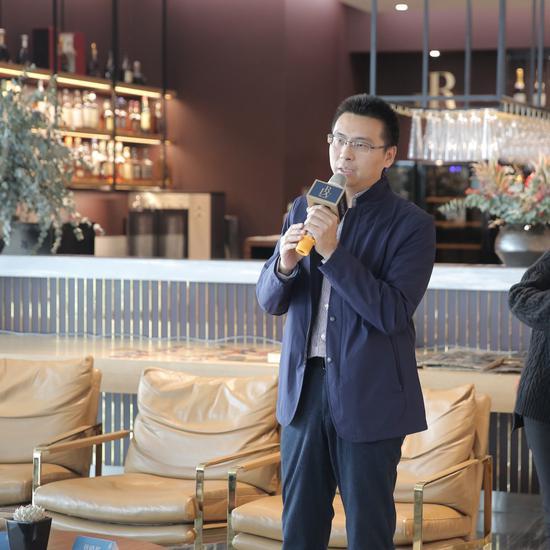 荣宝斋在线执行董事李春林介绍荣宝斋木版水印细节和展览初衷