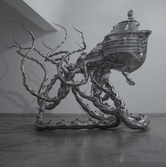 超验的方舟 512×400× 420 cm 不锈钢 2012