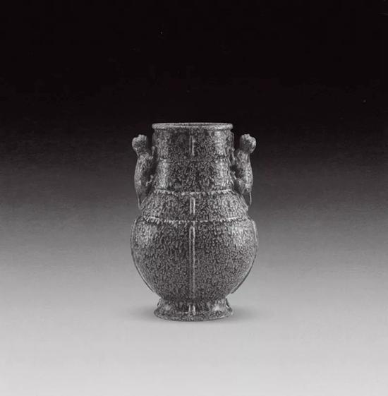 上海博物馆藏乾隆炉钧釉兽耳瓶