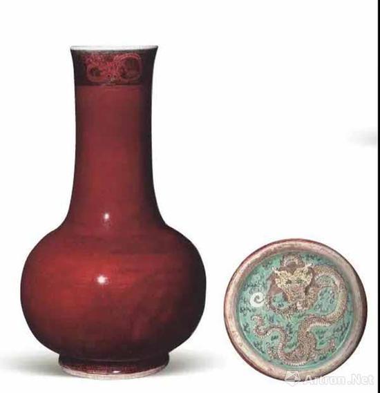 清康熙 郎窑红龙纹长颈瓶 高38.5厘米