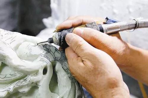 原材料不断的上涨,消费者审美越来越高,玉雕创作会是一个重要课题。