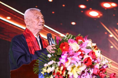 中国侨联原主席庄炎林致辞