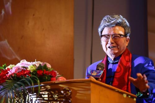中国文联荣誉委员、著名男高音歌唱家胡松华致辞