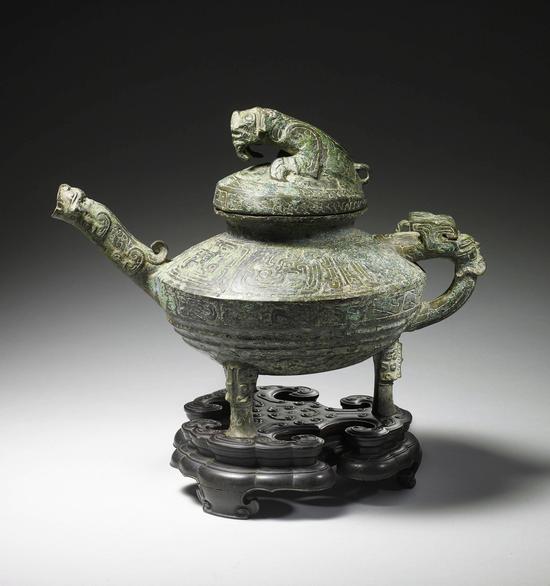"""青铜""""虎鎣""""中国国家博物馆供图"""