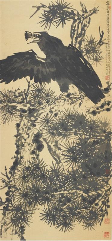 4 李苦禅 《黑松鹰》 纸本水墨 129.5x60cm 1960年