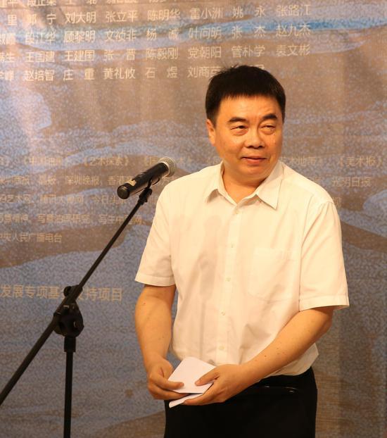 深圳市文体旅游局副局长钱强致辞