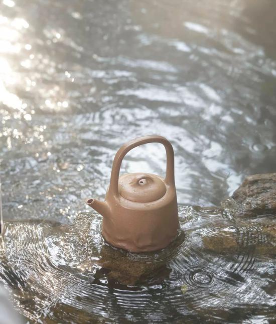 艺术家范泽锋作品 见山是水·曼公提梁