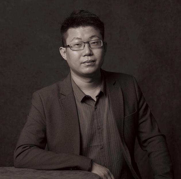 中国拍卖行业协会 文物艺术品委员会 秘书长 余锦生