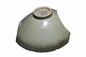 图 龙泉窑珠光青瓷,外刻线纹_b