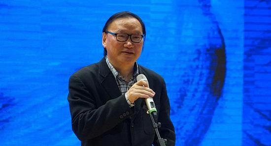 上海人民美术出版社副总编辑徐明松