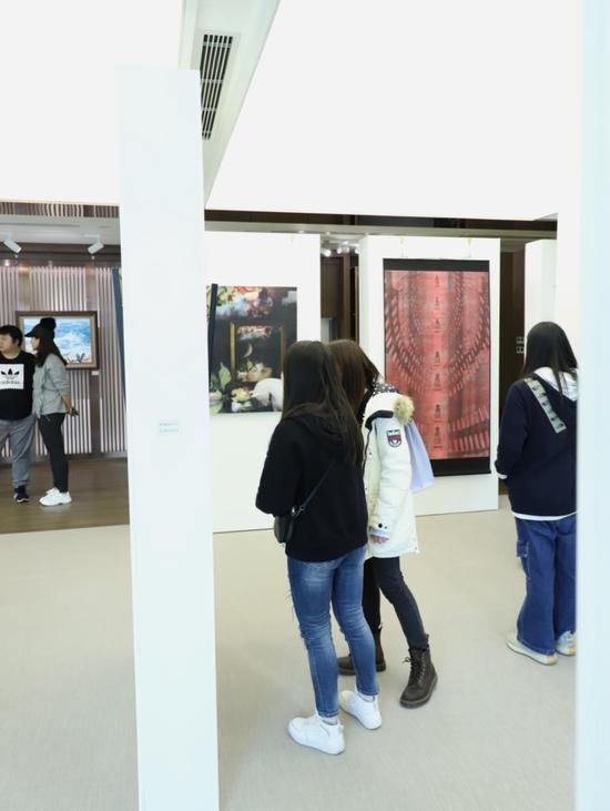 第二届圆体艺术春季展成功举办