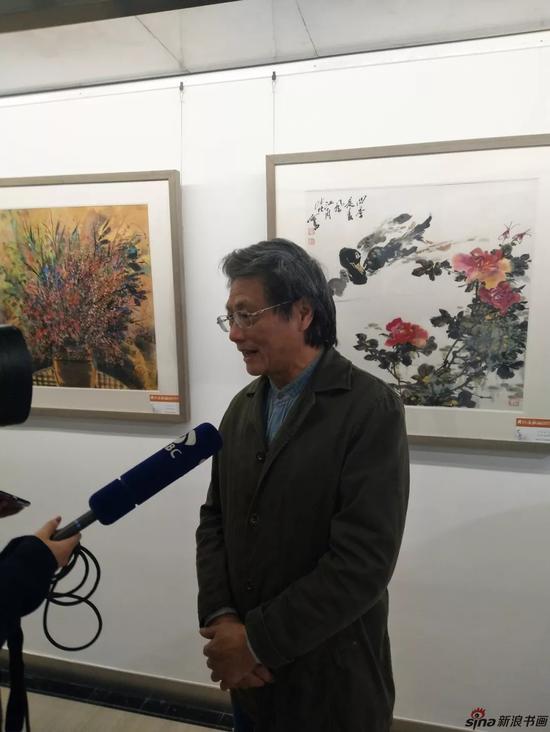 南京市花鸟画研究会名誉会长何鸣老师接受采访