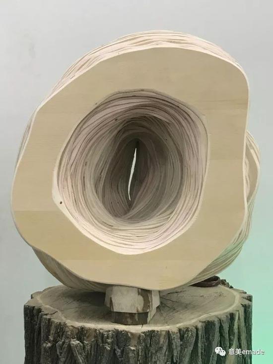 作品名称:《衍》创作年代:2018年 作品材质:木板 作品尺寸:40x35x30(cm)