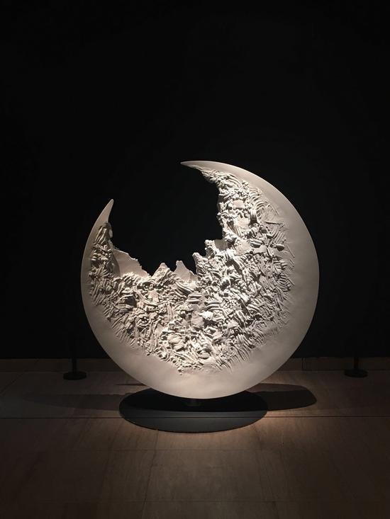 作品《月食》