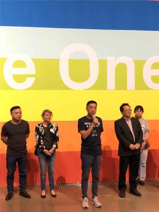 南京艺术学院美术馆馆长李小山先生宣布展览开幕
