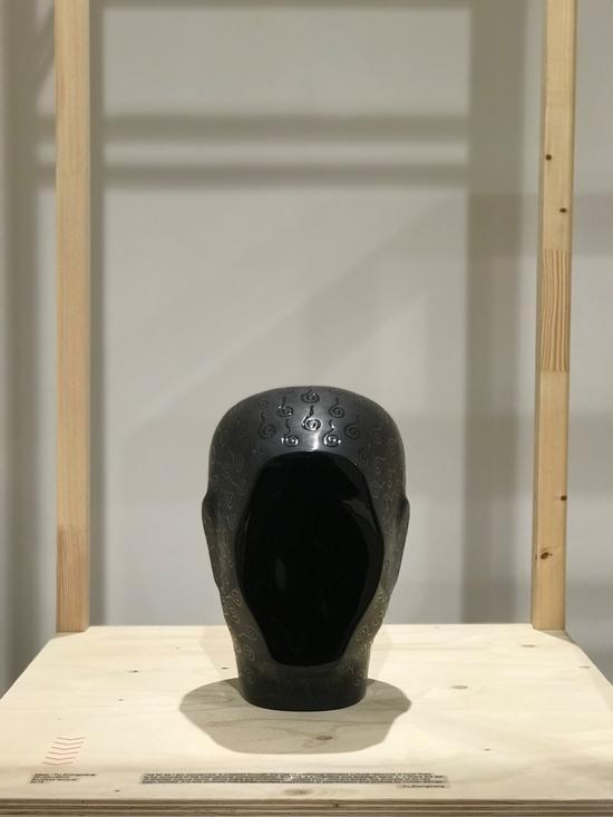 傅中望 《面镜》35x25x25cm,脱胎漆,2015年