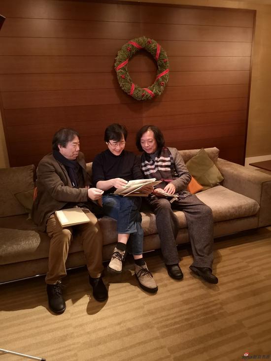 研究布置方案(右起:汪家芳、廖昌永、丁筱芳)